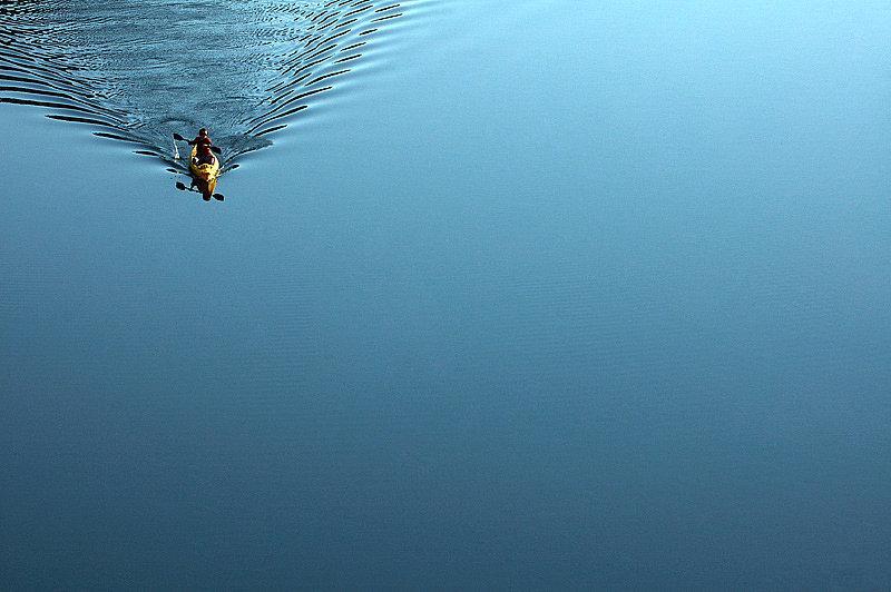 canoa acqua calma